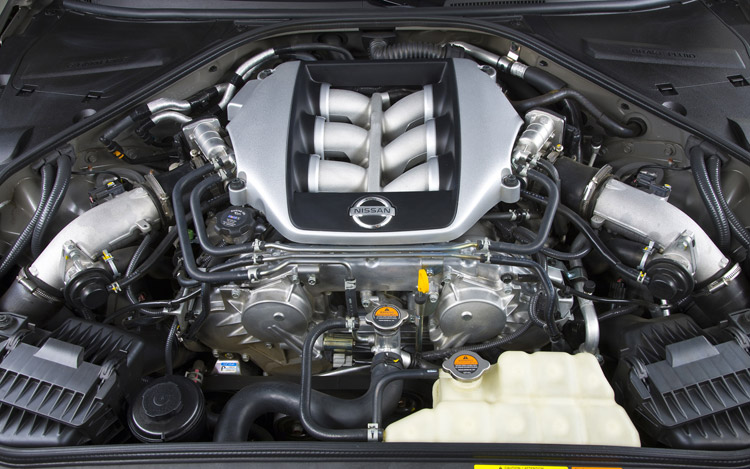 112_0901_17z+2009_nissan_GT-R+engine
